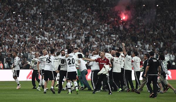 Flutlichtausfall - Leipzigs CL-Spiel in Istanbul unterbrochen