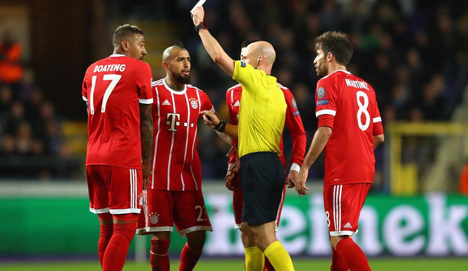Boateng Lewandowski Und Co FC Bayern Droht Gelbe Gefahr