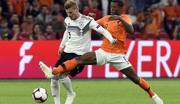 DFB-Trainer weiter in der Kritik:Löw reagiert unsicher auf Zukunftsfrage