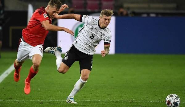 Toni Kroos n'est pas disponible pour Jogi Löw aujourd'hui en raison d'une suspension d'un carton jaune.