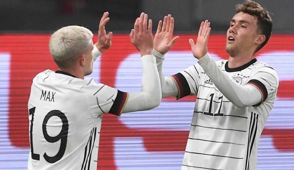 Luca Waldschmidt (r.) Voudra marquer à nouveau contre l'Ukraine.