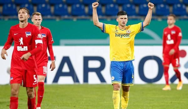 L'Eintracht Braunschweig a expulsé le Hertha BSC de la Coupe DFB avec une victoire 5-4 au premier tour.
