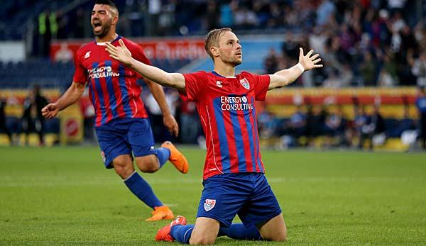 Spielabbruch in Mannheim - Uerdingen in Liga 3 aufgestiegen