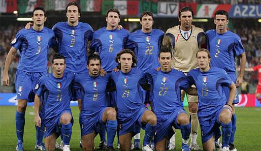 http://www.spox.com/de/sport/fussball/em2008/0712/bilder/514er/italien-team.jpg