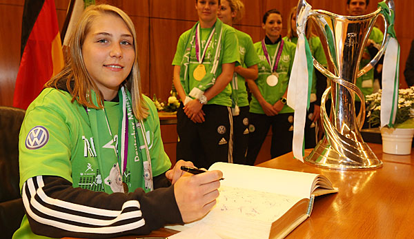 Stephanie Bunte bleibt in Wolfsburg