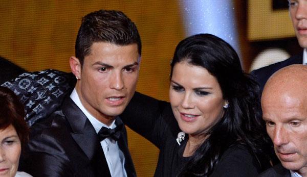 ätzte gegen die Beschmutzer der Statue ihres Bruders Ronaldo