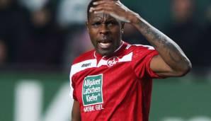 Ex-Bundesliga Mo Idrissou in Austria before deportation   - Transgaming 1
