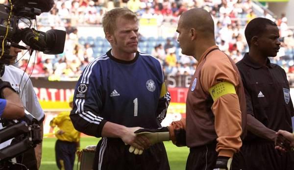 Jose Luis Chilavert et Oliver Kahn lors de la Coupe du monde 2002.