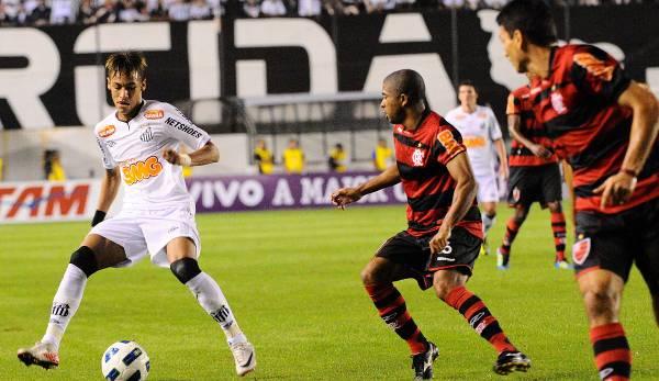 Neymar a fait paraître vieux les défenseurs du flamengo.