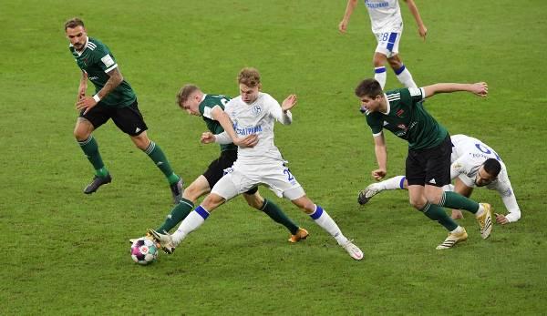 Schalke a eu du mal à l'emporter contre Schweinfurt.