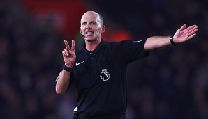 Mike Dean wurde in die 2. Liga degradiert