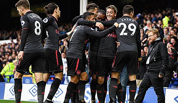 Arsenal und Manchester-Klubs siegen im League Cup