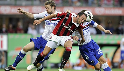 Giampaolo Pazzini (m.) will mit dem AC Mailand hoch hinaus
