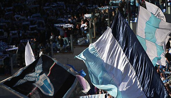 Nach Mussolini-Eklat: Lazio distanziert sich von faschistischen Fans