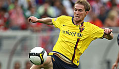 Back in yellow: Alexander Hleb wechselte von Arsenal London zum FC Barcelona