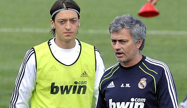 Mesut Ozil Und Jose Mourinho Bei Real Madrid Wie Ein Streit Vor Der Mannschaft Eskalierte