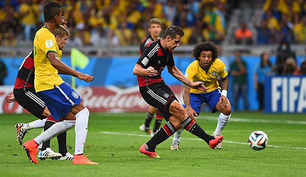 Miroslav Klose Trifft Zum  Und Ubernimmt Den Ersten Platz In Der Wm