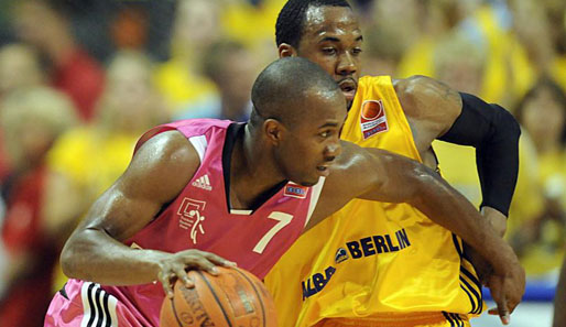 Basketball, Bundesliga, Playoff-Finale, ALBA Berlin, Telekom Baskets Bonn, BBL, Jeremiah Davis, Bobby Brown