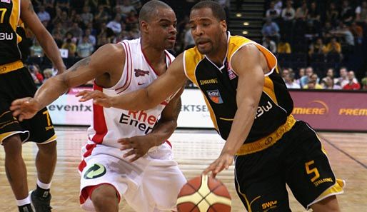 Ludwigsburg hat Point Guard Jerry Green (r.) verpflichtet