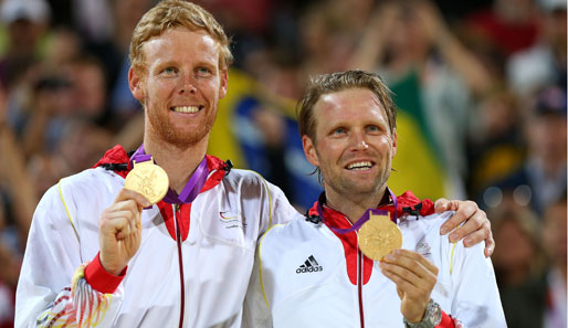 Jonas Reckermann (l.) und Julius Brink gewannen in London die Goldmedaille