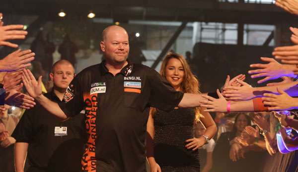 european darts grand prix van barneveld und hopp sind dabei. Black Bedroom Furniture Sets. Home Design Ideas
