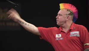 Peter Wright klettert in der Order of Merit