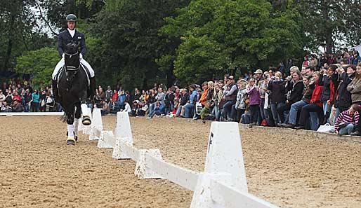 Reiter matthias alexander rath und pferd totilas siegten beim