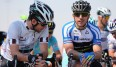 Sprint-Superstar Mark Cavendish (l.) und Team NetApp-Endura-Fahrer Russell Downing in Qatar