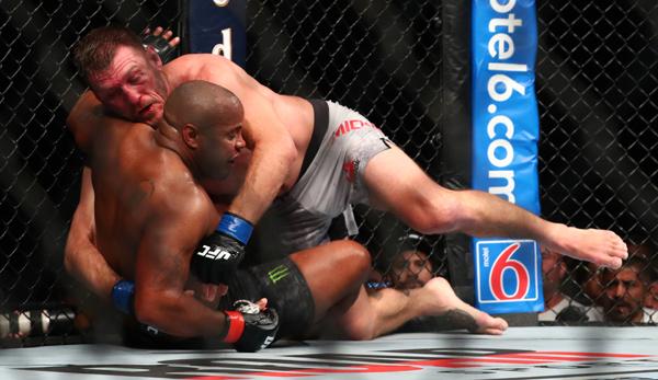 UFC 241: Stipe Miocic knockt Daniel Cormier aus und holt sich Gürtel im Schwergewicht zurück