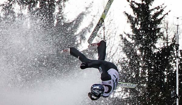 Skispringer auf dem Weg der Besserun