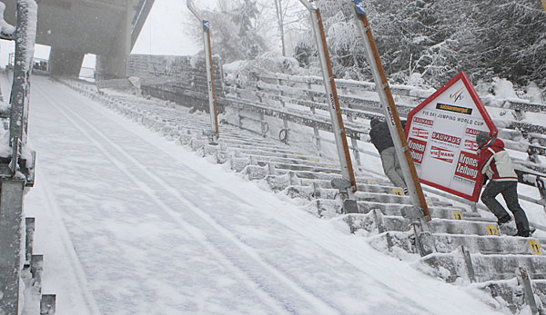 kulm single men The world's longest staircase – 2015 niesen treppenlauf  found atop of the mountain is a transparent glass pavilion and the niesen kulm mountain  the race record is 1-hour and 2 minutes for men and the women's.