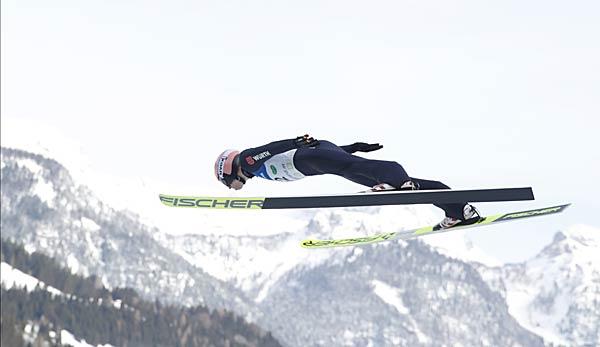 Skispringen: Geiger und Leyhe holen Doppelsieg in Rasnov - Freund scheitert in Durchgang eins
