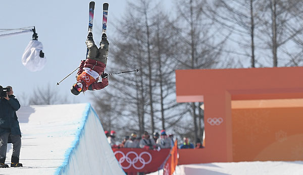 Cassie Sharpe holt Gold in der Halfpipe.