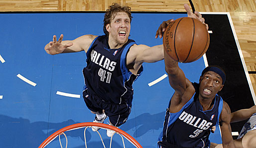 Dirk Nowitzki, Josh Howard