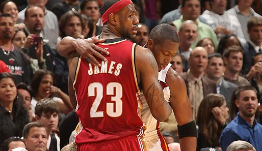 lebron james and dwyane wade wallpaper. Die Buddys LeBron James und