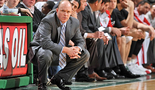Scott Skiles trainiert die Milwaukee Bucks seit April 2008