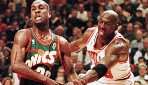Gary Payton (l.) unterlag mit den Seattle Sonics in den Finals 1996 Michael Jordans Chicago Bulls
