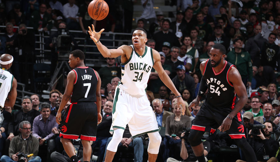 Giannis Antetokounmpo (Milwaukee Bucks, Forward, 258 Punkte): 22,9 Punkte, 8,8 Rebounds, 5,4 Assists