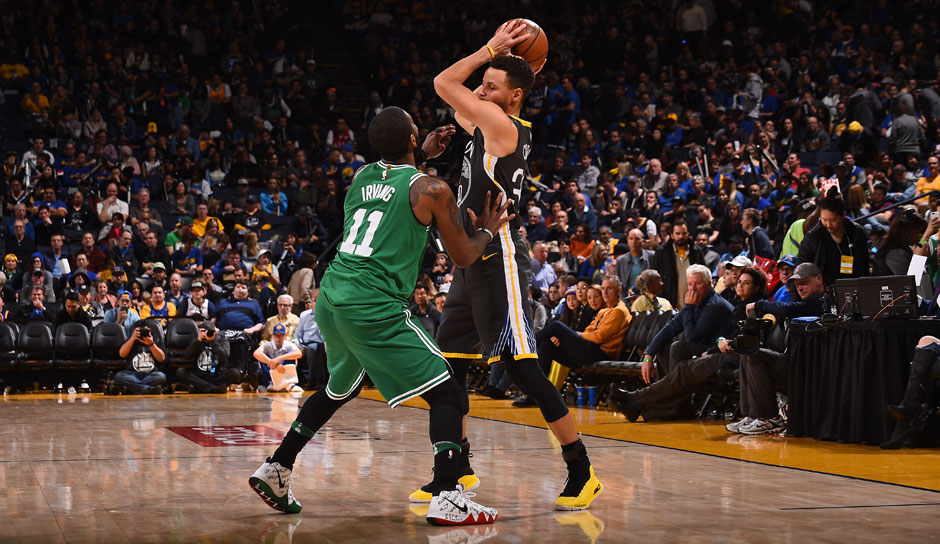 PUNKTE: Platz 10: Stephen Curry (Golden State Warriors) - 49 Punkte (16/24 FG, 8/13 3FG, 9/10 FT) gegen die Boston Celtics.