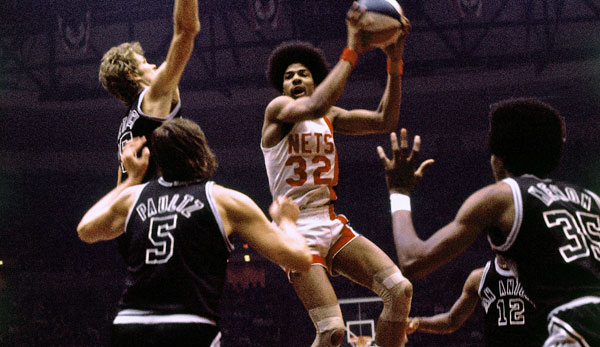 Julius Erving revolutionierte den Basketball - zunächst in der ABA.