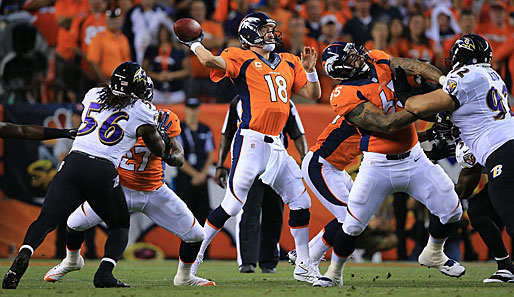 Peyton Manning (M.) wurde zum Mann des Abends im Sports Authority Field at Mile High