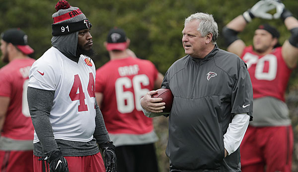 Richard Smith (r.) war seit 2015 Defensive Coordinator der Atlanta Falcons
