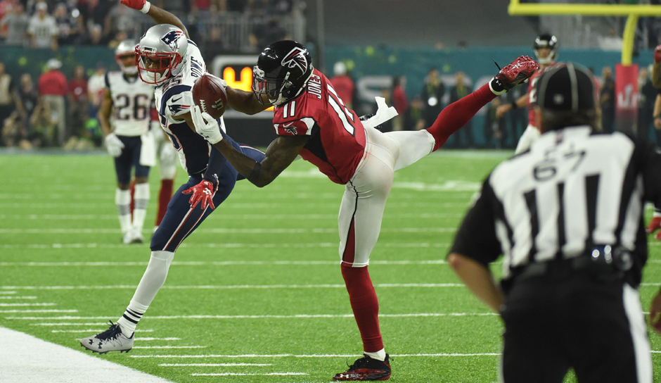 Platz 9: JULIO JONES (Wide Receiver, Atlanta Falcons) - Er wäre mit seinem sensationellen Catch im Super Bowl fast zum Helden geworden: Juuuuuulio hat in der Liste nur einen Wideout vor sich
