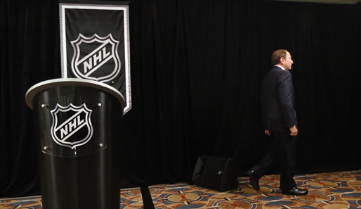 Die NHL - hier Commissioner Gary Bettman - sagt alle Preseason Games im September ab