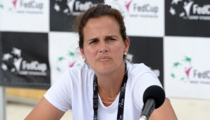 BRISBANE, AUSTRALIA - APRIL 15: Mary Joe Fernandez speaks during the Fed Cup press conference at Southbank on April 15, 2016 in Brisbane, Australia. (Photo by Bradley Kanaris/Getty Images)