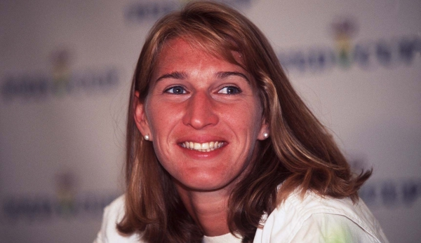 GERMANY - JULY 14: FEDERATION CUP Poertschach; Steffi GRAF/GER (Photo by Andreas Rentz/Bongarts/Getty Images)
