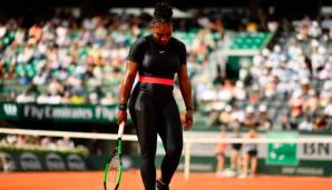 Serena Williams fiel in Paris durch ihr Catsuit-Outfit auf.