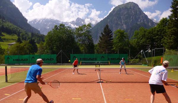 Designhotel walliserhof tennisurlaub in den alpen for Designhotel walliserhof