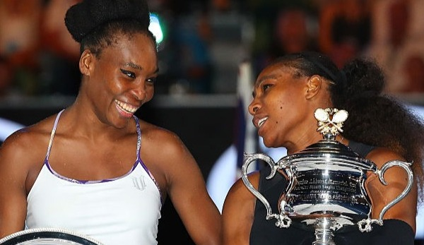 Venus Williams (l.) und Serena Williams (r.) stehen sich in Indian Wells gegenüber