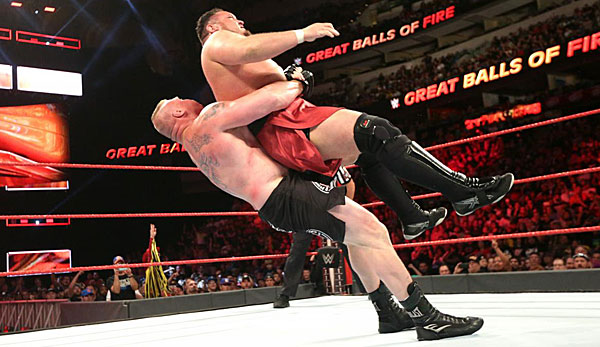 Der fünffache World Champ Brock Lesnar besiegte bei Great Balls of Fire Samoa Joe